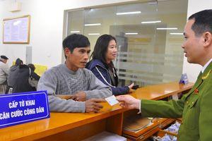 Cấp quốc tịch Việt Nam cho 18 người Lào sống tại biên giới