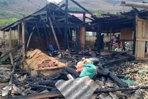 Đốt nhà sau khi cãi vã, vợ tử vong, chồng nhập viện