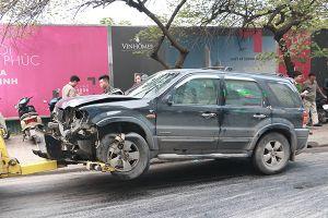 Tin tức 19/1: Ô tô mất lái đâm liên tiếp nhiều xe, cụ bà 82 tuổi tử vong