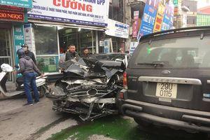 Hà Nội: Xe 'điên' đâm liên hoàn, 1 người chết, nhiều người bị thương nặng