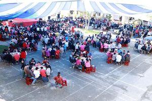 600 người nghèo ở Huế được chiêu đãi tiệc Tết sớm