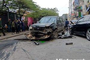 Hà Nội: 'Xe điên' gây tai nạn liên hoàn, một phụ nữ tử vong