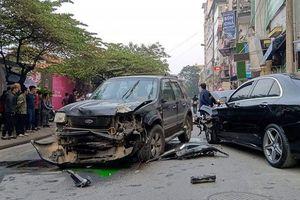'Xe điên' gây tai nạn liên hoàn, 1 cụ bà bán hàng rong thiệt mạng