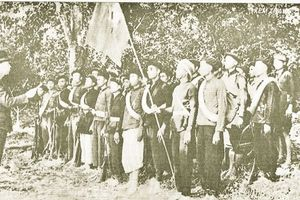 Đại tướng Võ Nguyên Giáp với đồng bào các dân tộc Cao Bằng (1941 - 1945)
