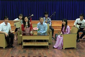 TP.HCM: Truyền dạy cải lương miễn phí cho giới trẻ