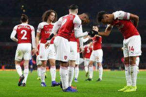 Lacazette và Koscielny ghi bàn, Arsenal thắng thuyết phục Chelsea