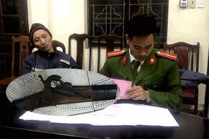 Nhân viên ngân hàng xử trí thế nào với tên cướp có súng ở Quảng Ninh?