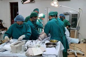 Bệnh viện đa khoa huyện Thạch Thất cứu sống cụ bà 103 tuổi bị gãy xương đùi