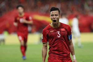 Quế Ngọc Hải lọt top 5 hậu vệ hay nhất vòng bảng Asian Cup