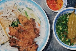 Cơm tấm bà Ròm, cơm xá xíu lạ miệng ngon nức tiếng Sài Gòn