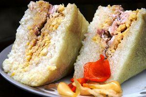 Mẹo ăn bánh chưng thả ga không lo nổi mụn và tăng cân