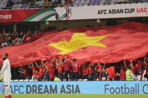 Cả Đông Nam Á đứng sau lưng tuyển Việt Nam và Thái Lan