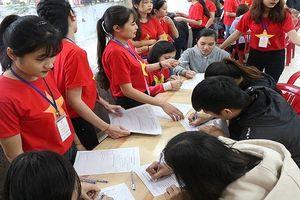 1.000 sinh viên Huế hiến máu giúp bệnh nhân dịp Tết