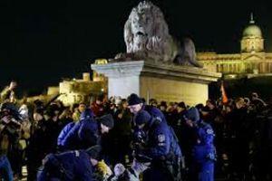 Hungary biểu tình phản đối luật cho phép chủ lao động nợ lương đến 3 năm