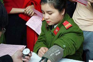 Tuổi trẻ Yên Bái hăng hái hiến máu cứu người
