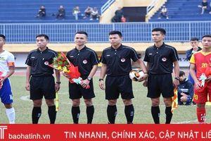 Tiền vệ Đậu Đình Khôi được chọn đeo băng đội trưởng U19 Hồng Lĩnh Hà Tĩnh