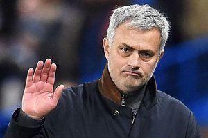 1 sao Man Utd từng van xin Mourinho ngưng chỉ trích