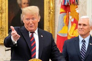 Tổng thống Trump nhượng bộ, Chính phủ Mỹ vẫn đóng cửa