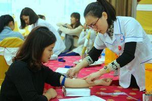 Ngày hội hiến máu tình nguyện 'Chủ nhật Đỏ' thu hút hàng nghìn người dân tham gia