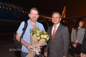 Chủ tịch Thượng viện australia đến hà nội, bắt đầu chuyến thăm chính thức Việt Nam