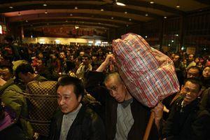 'Biển người' Trung Quốc bắt đầu về quê ăn Tết