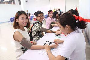 Hàng nghìn người tham gia hiến máu tình nguyện