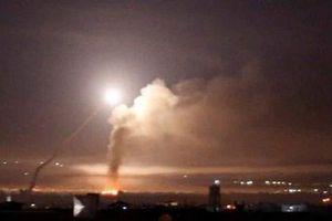 Israel không kích sân bay Damascus: Thách thức Nga?