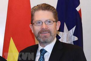 Chủ tịch Thượng viện Australia bắt đầu thăm chính thức Việt Nam