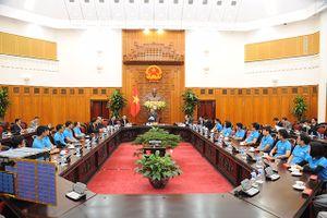Thủ tướng Chính phủ nghe báo cáo việc phóng thành công vệ tinh MicroDragon