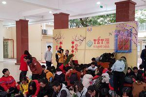 2.000 bánh chưng tặng bệnh nhân nghèo ăn Tết