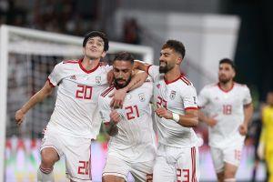 Thắng nhẹ nhàng Oman, Iran 'đại chiến' Trung Quốc ở tứ kết Asian Cup