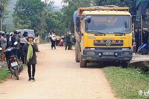 Nghệ An: Một cháu bé 3 tuổi bị xe tải cán tử vong tại chỗ