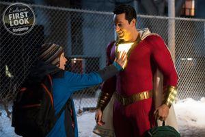 Bom tấn 'Shazam' tung clip quảng cáo ngắn, lộ cảnh đánh nhau giữa trời y hệt 'Man of Steel'