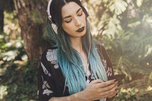 Tại sao tai nghe có thể làm giảm thính lực của bạn?