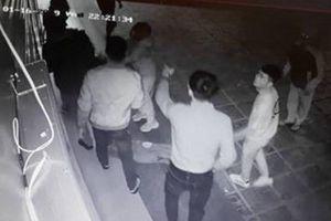 Nhóm côn đồ hành hung cô gái dã man ở Hà Nội sẽ bị pháp luật trừng trị thế nào?