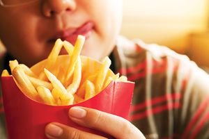 Trẻ em béo phì nguy cơ mỡ máu cao