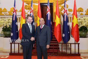 Thủ tướng Chính phủ Nguyễn Xuân phúc hội kiến Chủ tịch Thượng viện australia
