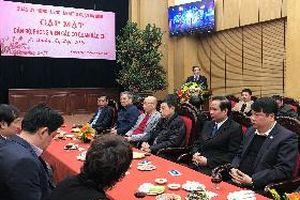 Lãnh đạo quận Ba Đình (Hà Nội) gặp mặt cán bộ, phóng viên các cơ quan báo chí