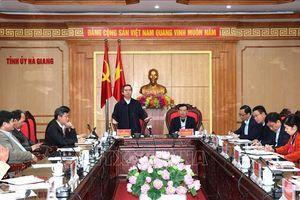 Hà Giang cần tập trung phát triển nông nghiệp sạch, trồng cây dược liệu
