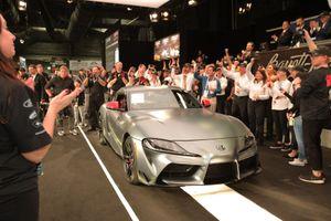 2,1 triệu USD cho chiếc Toyota Supra 2020 đầu tiên trên thế giới