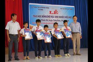 Báo SGGP trao tặng học bổng cho học sinh nghèo hiếu học Tây Ninh