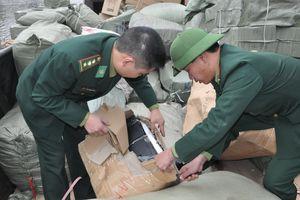 Bắt vụ vận chuyển khoảng 4 tấn hàng hóa nhập lậu qua biên giới