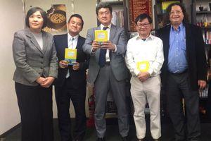 Nhà văn Nguyễn Nhật Ánh xuất ngoại… tiếp thị sách