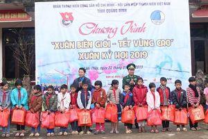 Tuổi trẻ Quảng Bình hướng về đồng bào dân tộc vùng biên giới