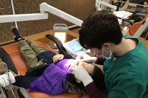 Quá trình mọc răng sữa và thay răng ở trẻ