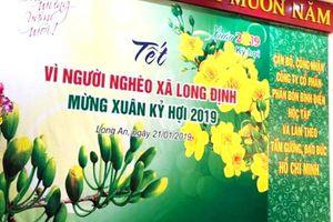 Phân bón Bình Điền tặng quà Tết 98 hộ nghèo huyện Cần Đước