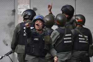 Venezuela bắt giữ nhóm binh sĩ nổi loạn