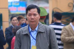 Xử vụ chạy thận làm chết 9 người: Cựu Giám đốc BVĐK Hòa Bình bị đề nghị bao nhiêu năm tù?