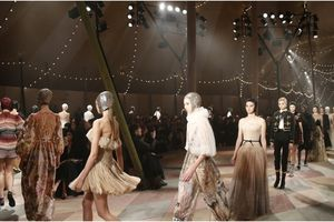 Dior đã có BST haute couture xuất sắc nhất trong 5 năm gần đây!