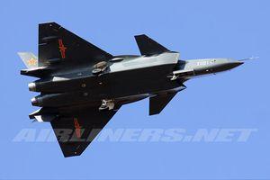 Báo Mỹ khẳng định J-20 Trung Quốc không có pháo là quá thiệt thòi